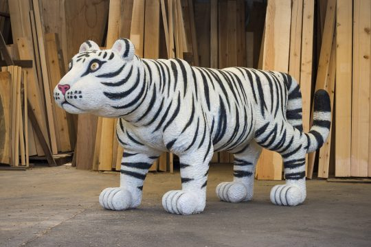 《Animal 2012‐01》 2012年 樟、油彩